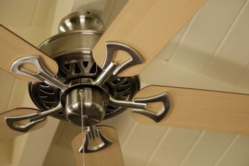 Ceiling Fan Not Cooling You Off? Maybe It's Spinning in the Wrong Direction