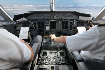 Pilots risk making fatal mistakes in poor cockpit air quality: study