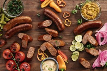 What's Beyond Meat's vegetarian bratwurst really like?
